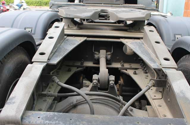 Khung xe kiểu hình thang, thép 1 lớp (286 x 90 x 7 mm)