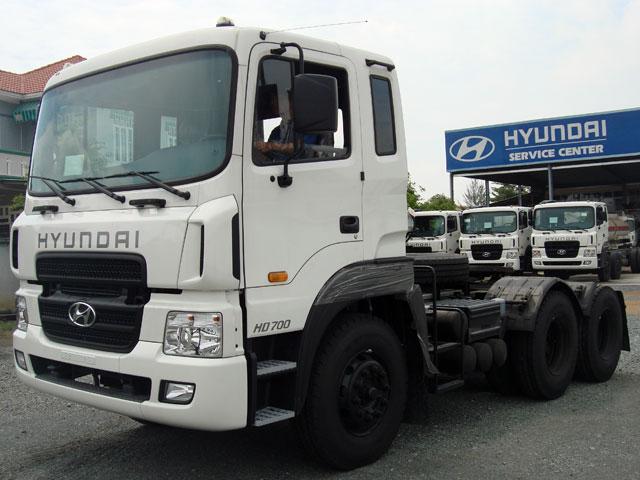 Đầu kéo Hyundai HD 700