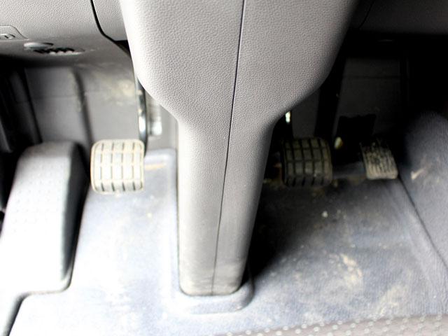 Chân ga xe đầu kéo Hyundai HD700 2 cầu