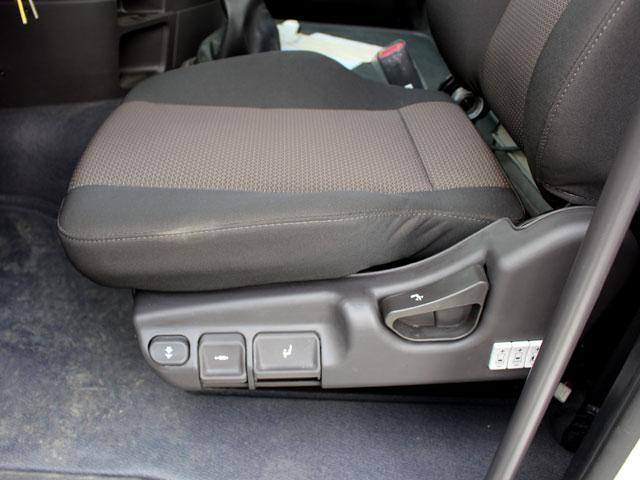 Ghế lái xe đầu kéo Hyundai HD700
