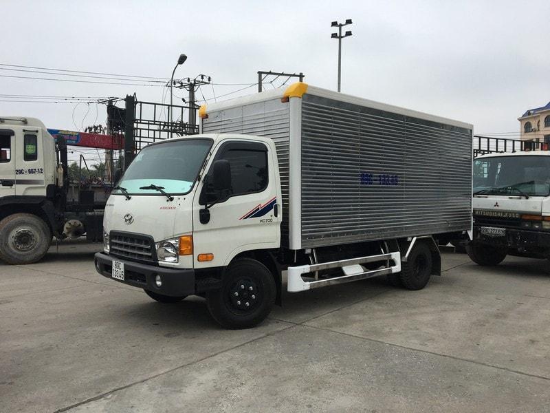 Xe-HD700-thung-kin-min