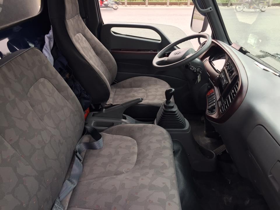 Nội thất xe tải Hyundai Mighty 110SP