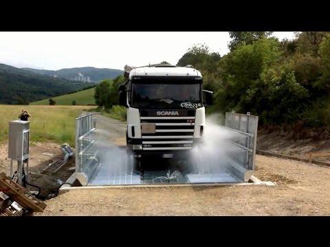 vệ sinh xe tải thường xuyên