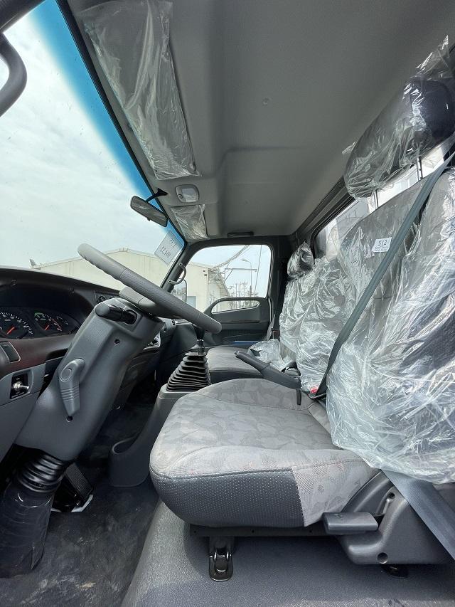 Khoang nội thất Hyundai 110xl