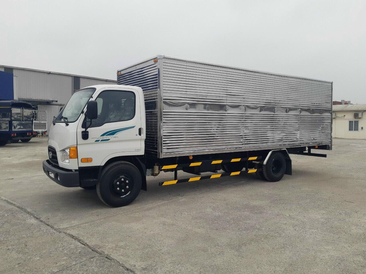 Hyundai 110XL thùng kín 7 tấn