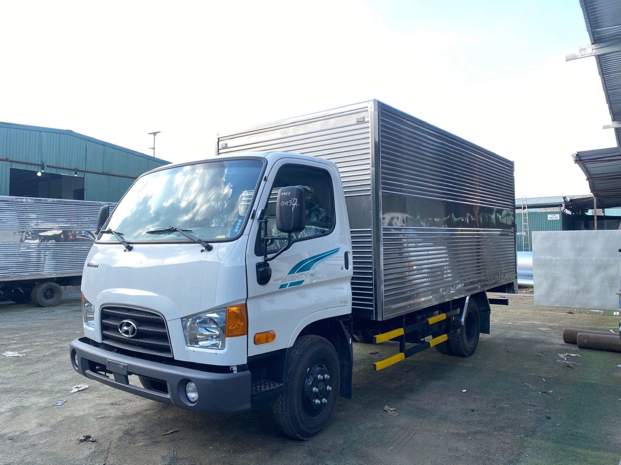 Bán xe tải Hyundai 75S tại Hòa Bình