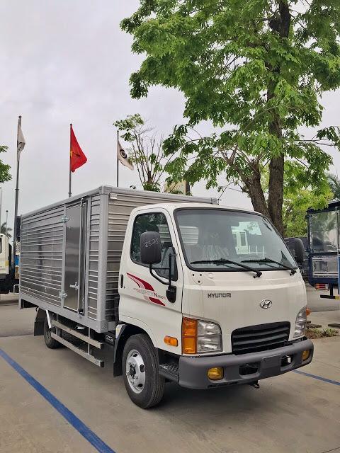 Giá lăn bánh xe tải Hyundai N250SL thùng kin