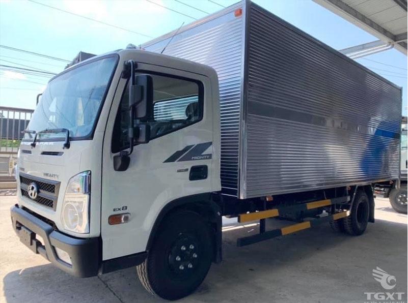 Giá xe tải Hyundai EX8 thùng kín inox