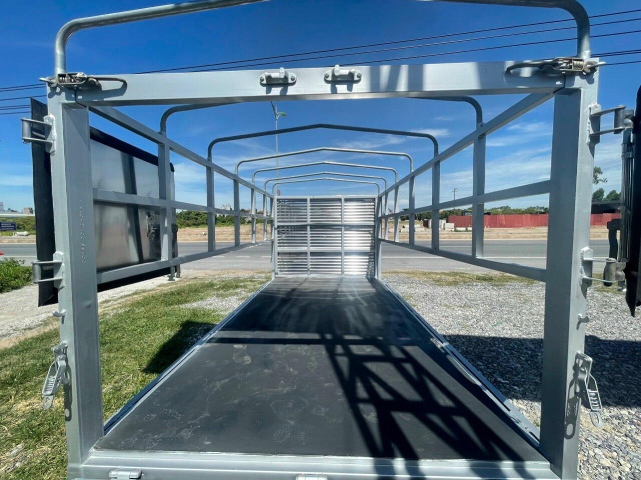 Tera 150 thùng mui bạt tải trọng 1.5 tấn