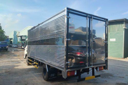 Giá xe tải Hyundai EX6 thùng kín 5 tấn