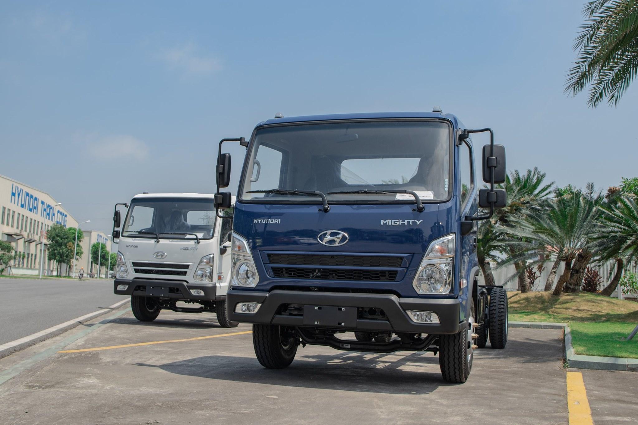 Xe tải Hyundai EX8 GTL thùng mui bạt 8 tấn