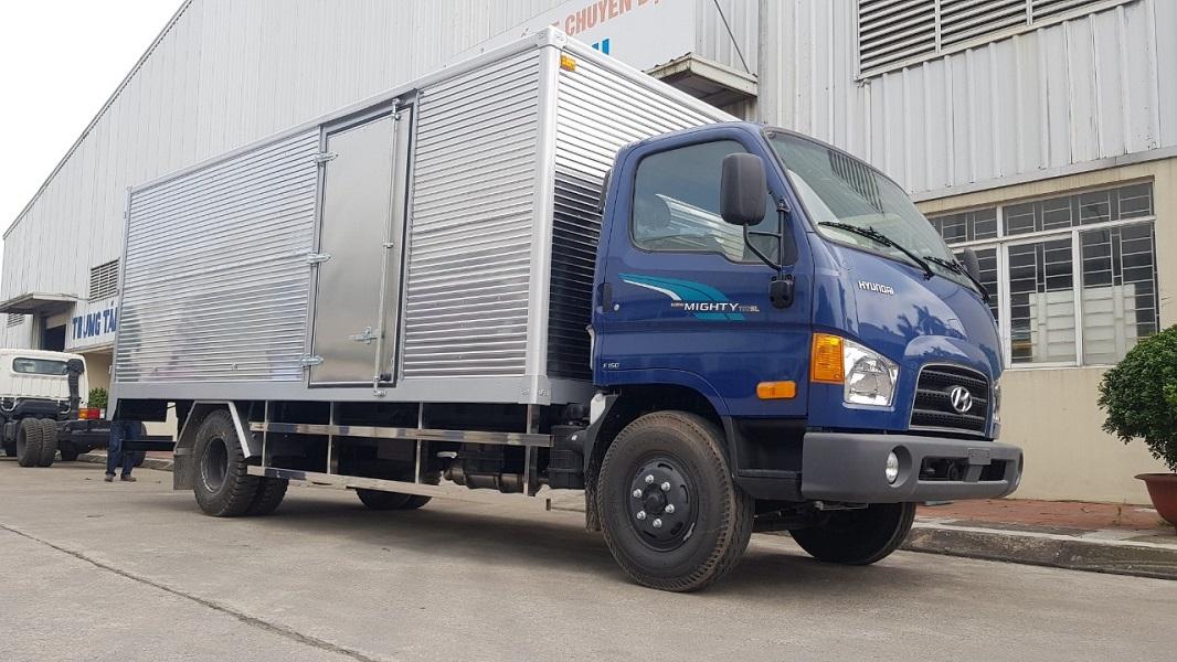 Xe tải 3.5 tấn Hyundai 110SL nâng tải 7 tấn thùng kín