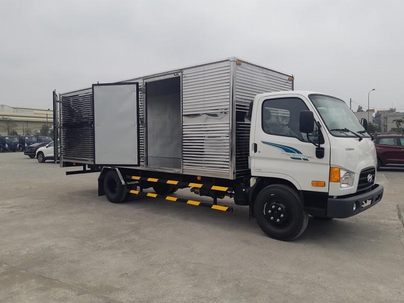 Xe tải 3.5 tấn Hyundai 110XL nâng tải 7 tấn thùng kín