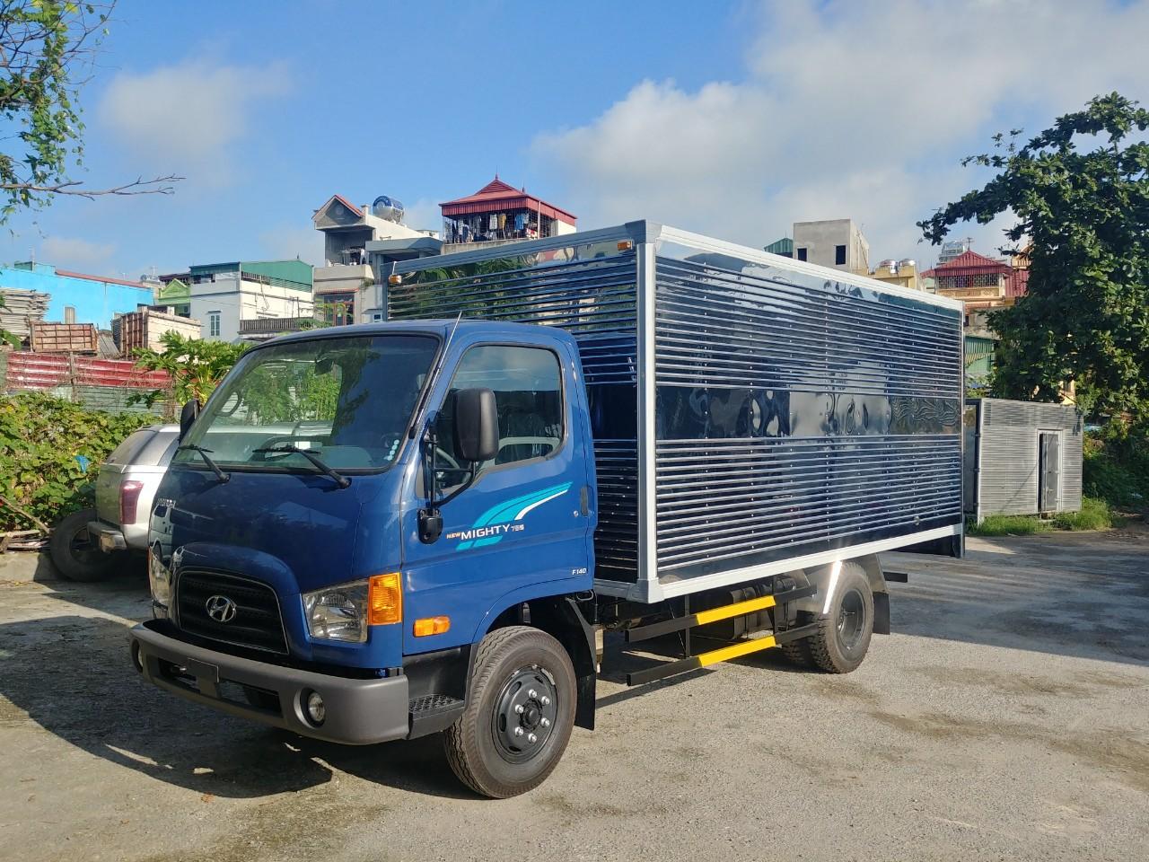 Xe tải 3.5 tấn thùng kín Hyundai 75S