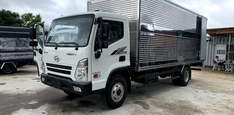 Xe tải 8 tấn Hyundai EX8 GTL thùng kín