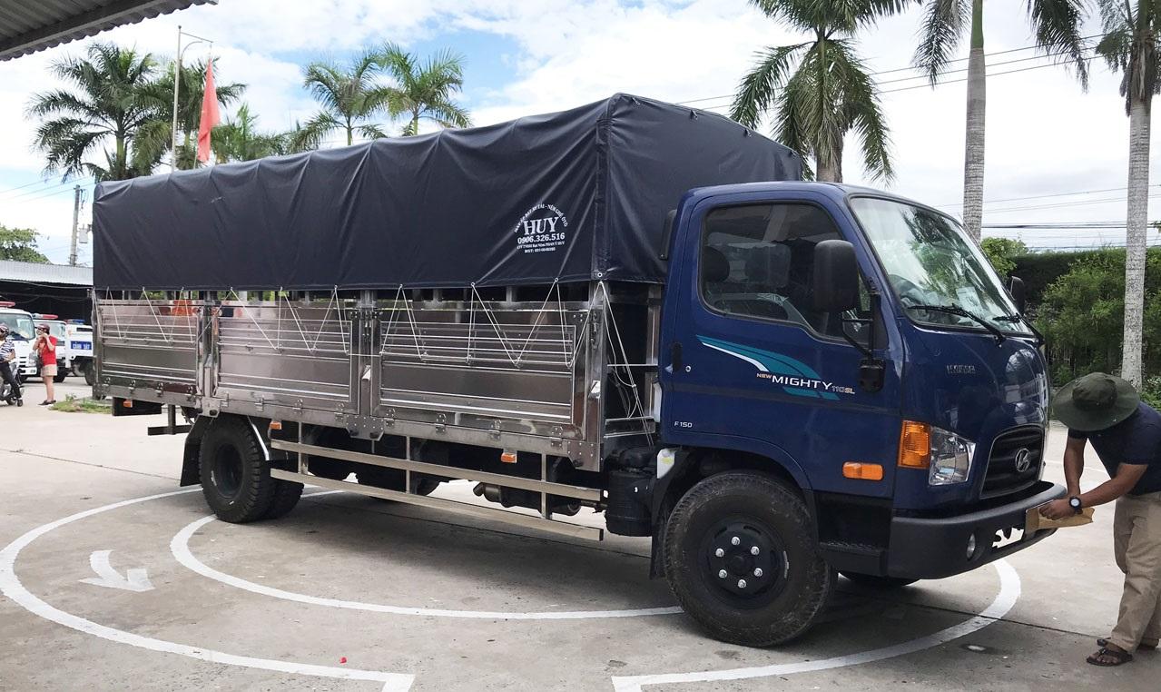 Xe tải Hyundai 110SL thùng bạt 7 tấn