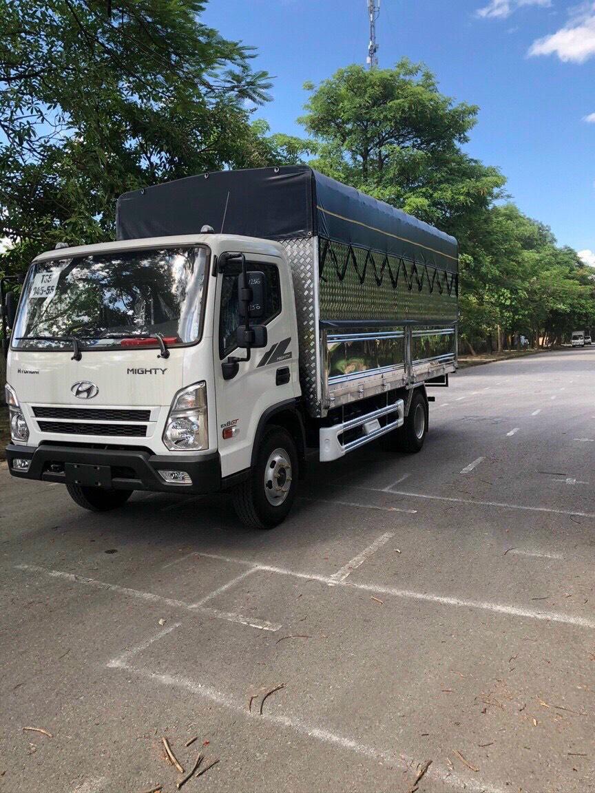 Xe tải hyundai EX8 GTS2 thùng bạt 7 tấn