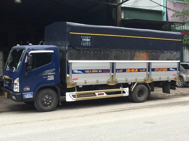 Xe tải Hyundai EX8L thùng bạt 7 tấn