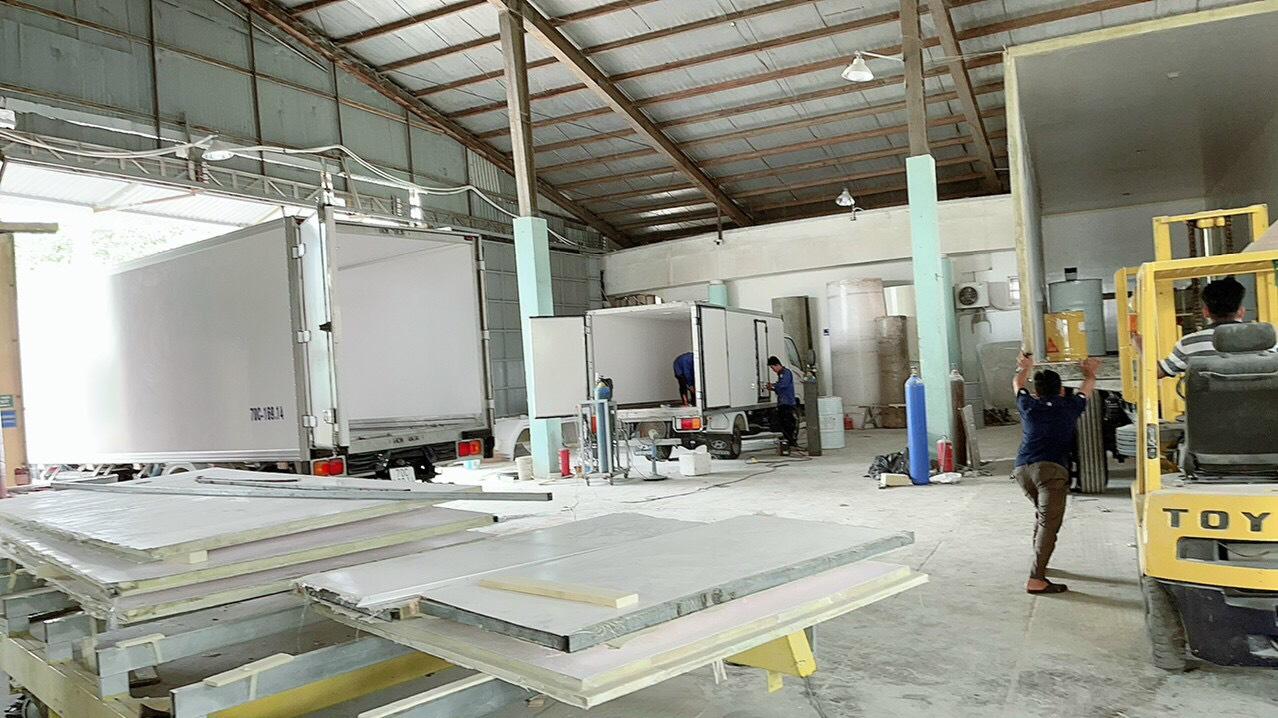 Xưởng đóng thùng đông lạnh xe tải